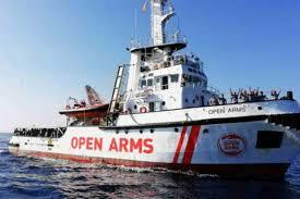 """Tweet del capo missione di Open Arms: """"Dateci subito un porto sicuro"""""""