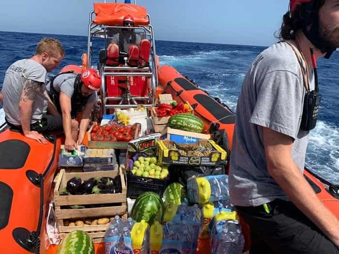 Lampedusa, 320 migranti su due navi dell'Ong 'prigionieri' del mare