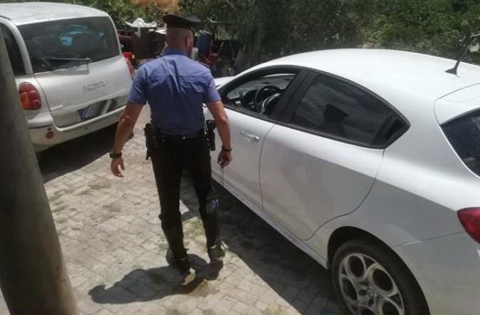 Traffico di auto rubate nel Catanese, operazione dei carabinieri: scattano cinque arresti