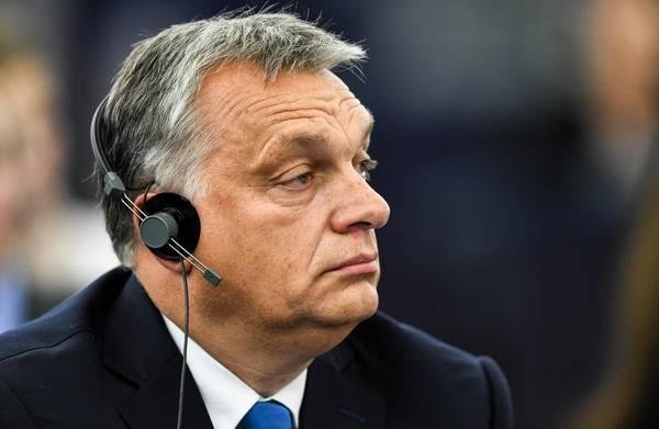 Orban a Strasburgo: difenderemo i confini dell'Ungheria