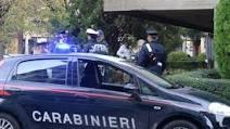 Tenta di strangolare una 50enne a Orbassano: arrestato un minorenne