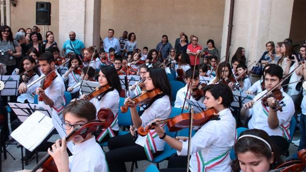 Fondi Unicredit per strumenti musicali per la 'Città invisibile' di Catania