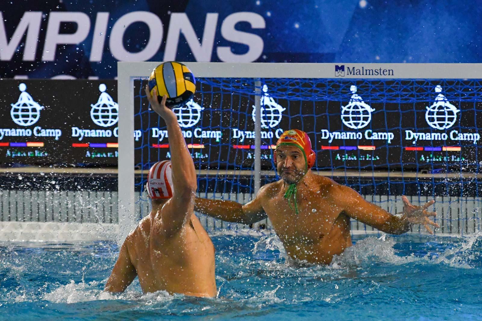 Pallanuoto, in Champions l'Ortigia parte bene ma alla distanza cede all'Olympiacos              .