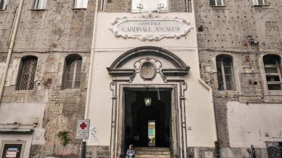 Furto all'ospedale di Napoli Ascalesi, rubati medicinali