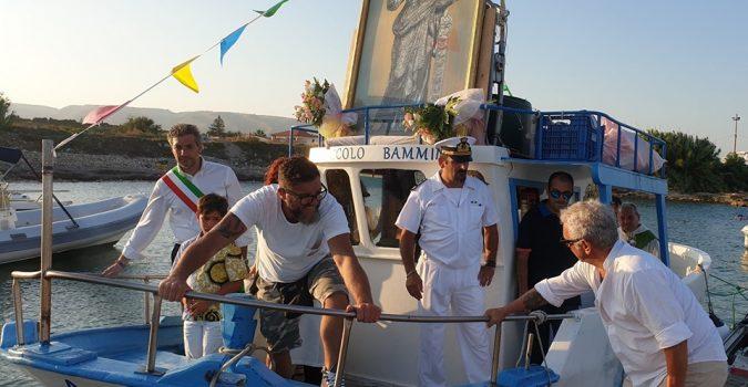 Avola non rinuncia alla festa della Patrona, processione a mare per Santa Venera