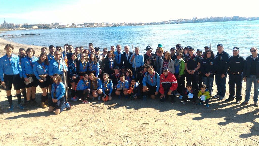 Siracusa, carabinieri, Fai e scout ripuliscono la Plaja