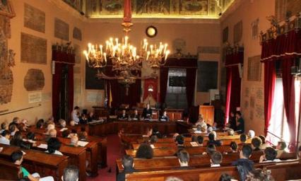 Palermo, il consiglio comunale approva all'alba il Bilancio 2015