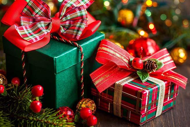 """Natale, Confcommercio: """"166 euro in media per i regali"""""""