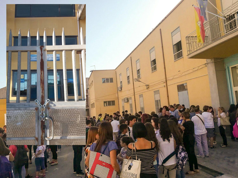 Pachino, scuola morosa: i proprietari bloccano gli accessi