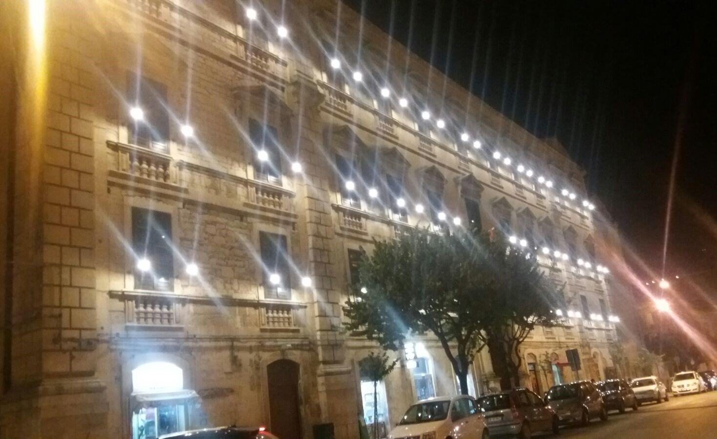 Il Principe Alberto a Modica: illuminato il Palazzo degli Studi