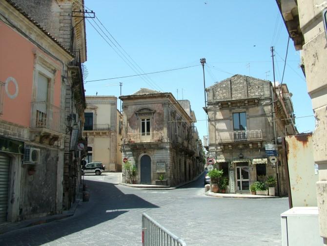 Palazzolo, la circonvallazione, i Santoni e Casa Museo Uccello inseriti nel Patto per il Sud