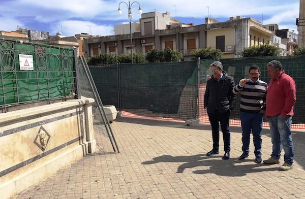 Pachino, lavori di riqualificazione del palco storico della piazza