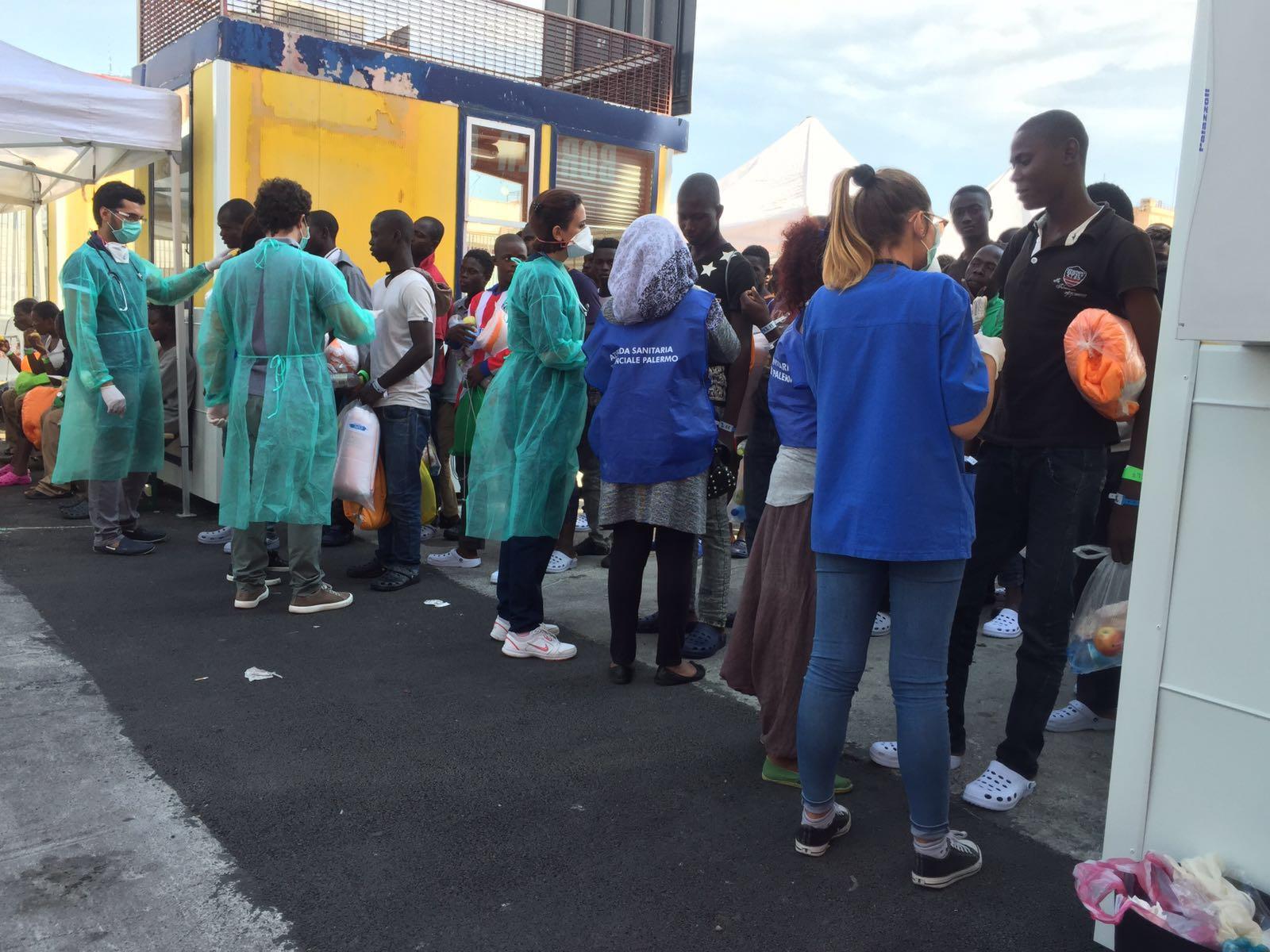 Ondata di sbarchi di migranti in Sicilia: 713 tra Palermo e Trapani