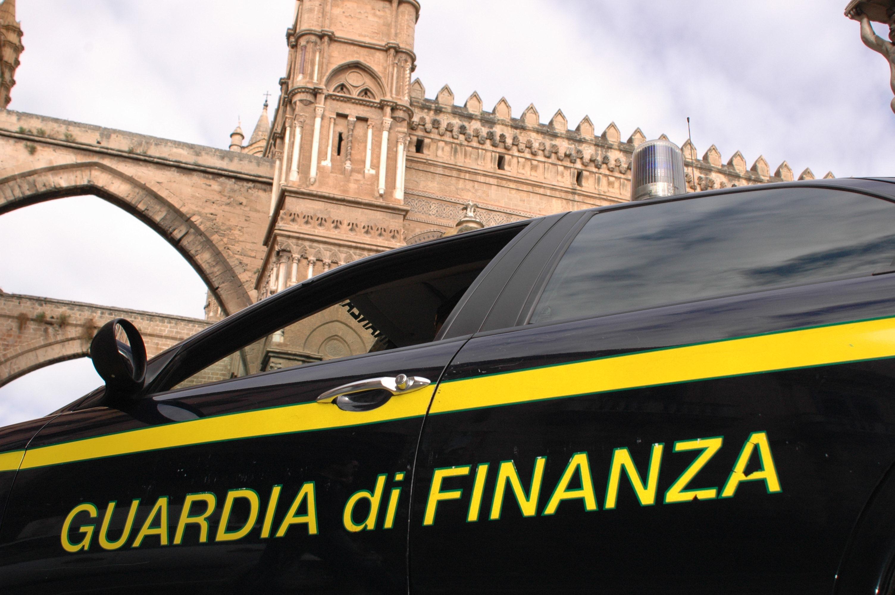 Slot machine a Palermo, sequestrati beni per 456 mila euro