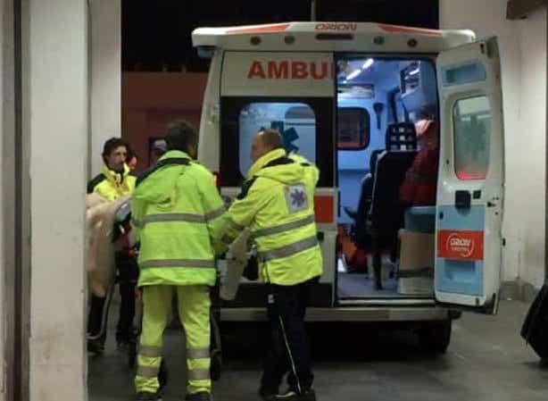 Palermo, Fiat Punto contro il guard rail: 2 ragazzi finiscono in ospedale