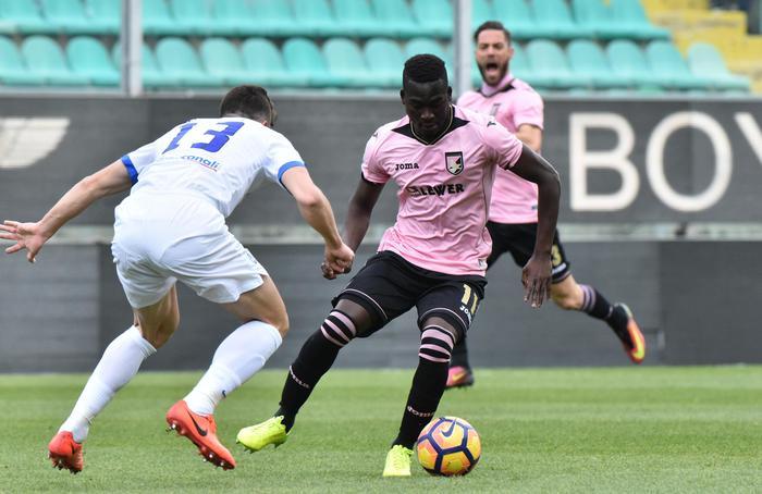 Palermo, ufficiale: Embalo ceduto al Brescia