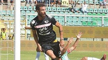 Calcio, il Palermo batte il San Tommaso ( 3 - 2)  davanti a 17 mila spettatori