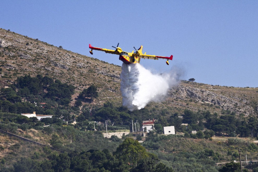 Incendi nel Palermitano, terzo in pochi giorni a Cefalù