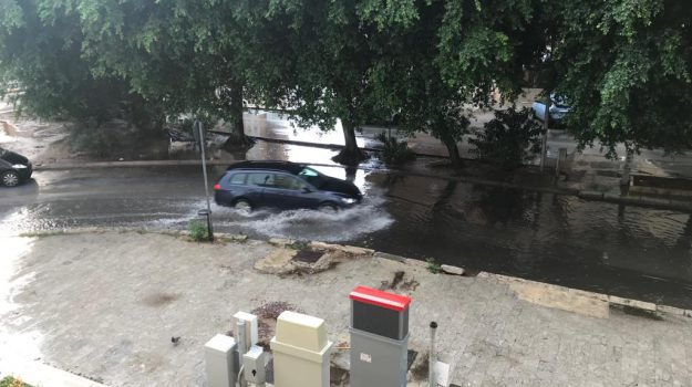 Maltempo, disagi a Palermo per un violento temporale