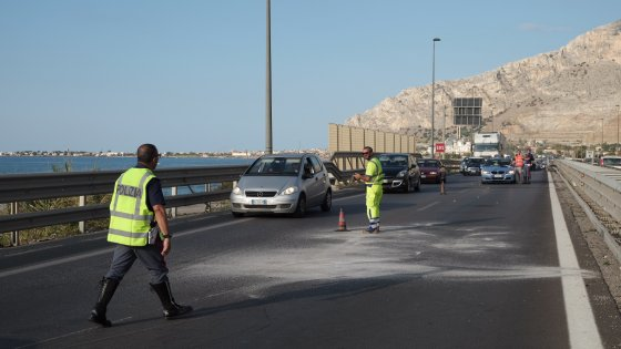 Investono motocislista sulla Palermo - Mazara e fuggono