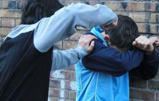 Palermo, rapinano un giovane: due fratelli in manette, uno è minore