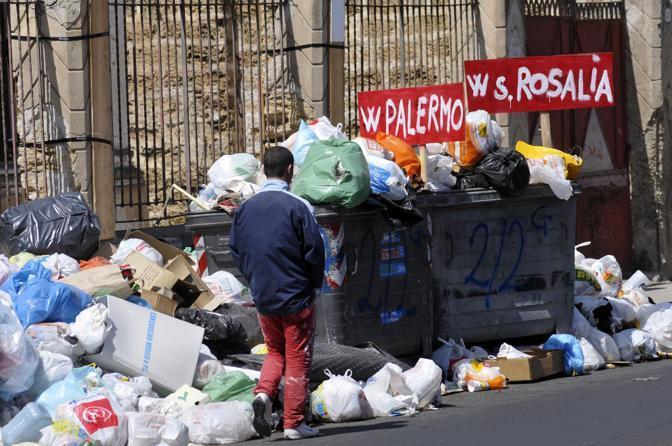 """Rifiuti, Ferrandelli: """"Comune di Palermo assente e differenziata in tilt"""""""