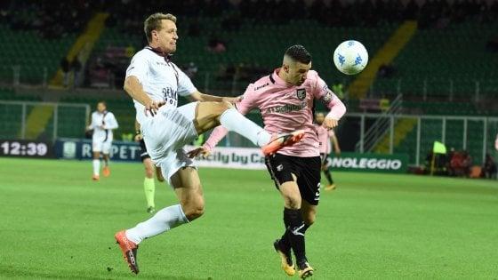 Il Palermo è campione d'inverno: i rosanero affondano la Salernitana ( 3 - 0)