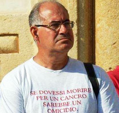 Augusta, padre Prisutto non si arrende: nuova manifestazione per i morti di cancro