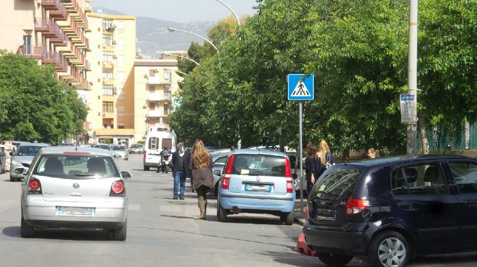 Palpeggia donna in un parcheggio, arrestato a Palermo