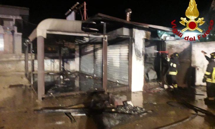 Incendio alla panineria di Priolo, tradito dalle telecamere: arrestato