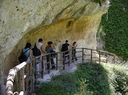 Turisti francesi si perdono a Pantalica, soccorsi carabinieri Villasmundo