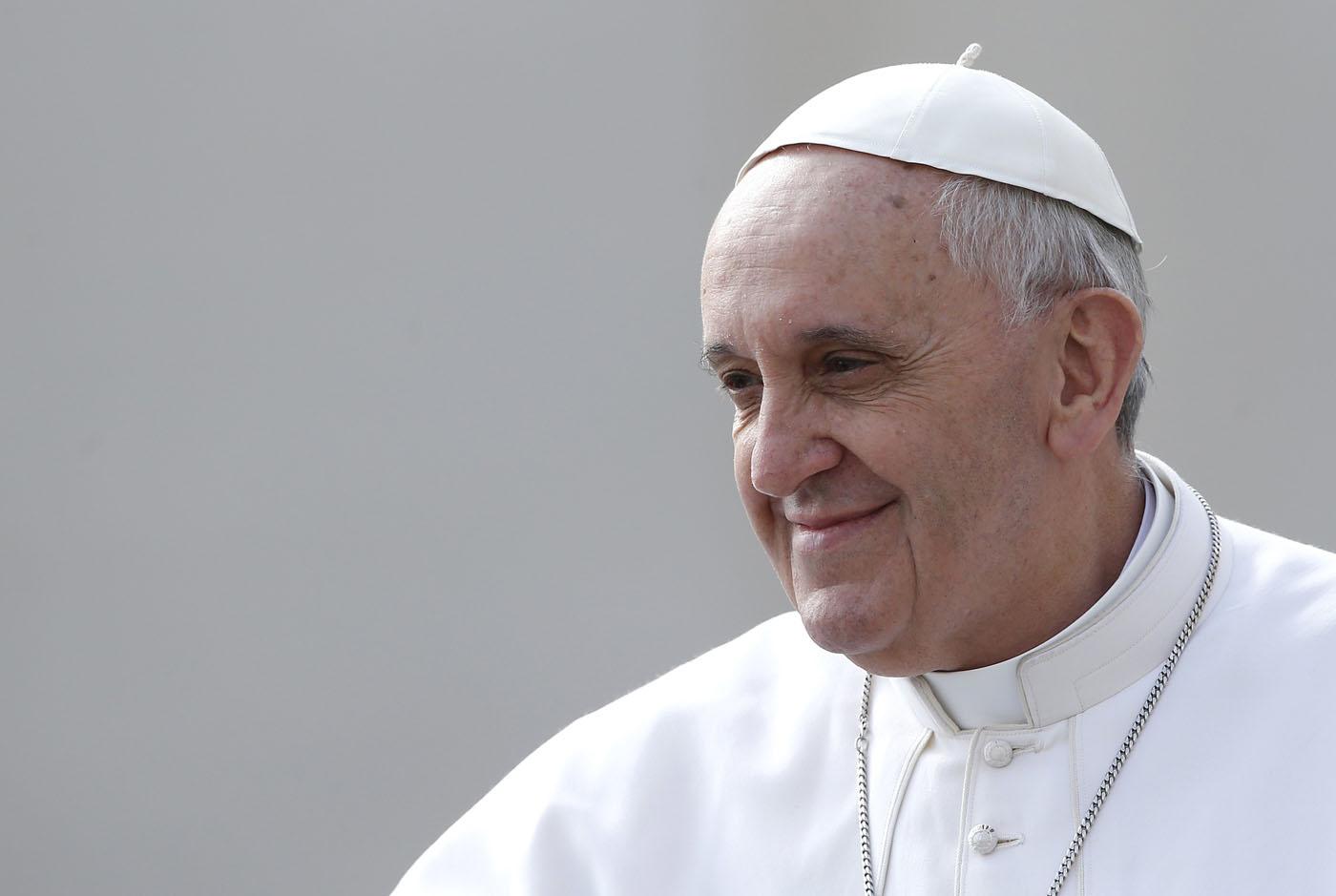Il Papa: niente porte blindate nella Chiesa