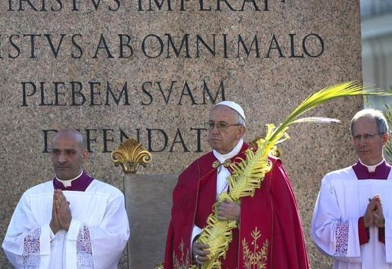 Le Palme, il Papa: Gesù è presenti con chi soffre non nelle foto