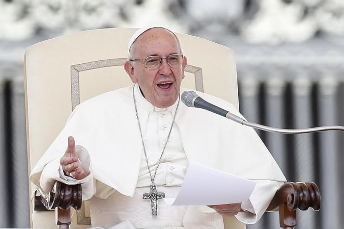 """Papa Francesco: """"Dio converta il cuore dei terroristi"""""""