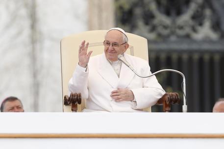 Il Papa sul 1° Maggio: lavoro fondamentale per la dignità
