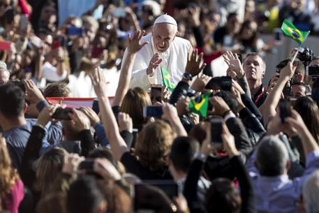"""Papa Francesco: """"Nel mondo c'è una povertà scandalosa"""""""
