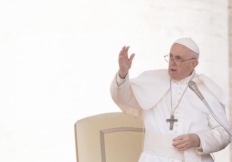 """Convegno sulla famiglia a Verona, il Papa: """"Bene, metodo sbagliato"""""""