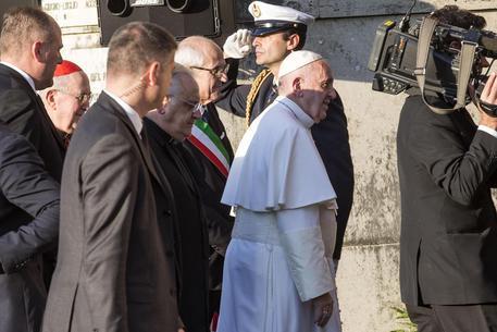 Roma, si è insediato il commissario Tronca: nel pomeriggio l'incontro col Papa