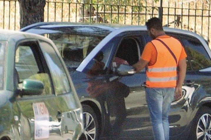 Siracusa, denunciati 2 parcheggiatori abusivi nella zona del teatro Greco