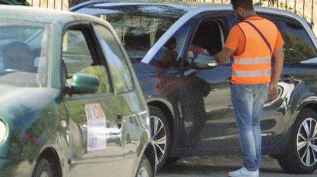 Parcheggiatori abusivi a Siracusa,