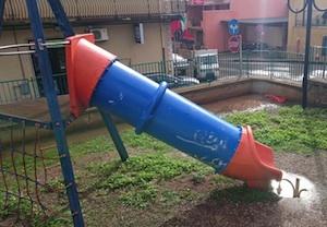 I Parchi di Solarino nel degrado: i nostri bambini meritano di più