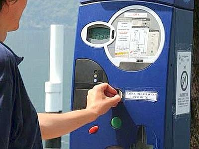 Pachino, tentano di rubare i soldi del parcometro:  due presi e denunciati