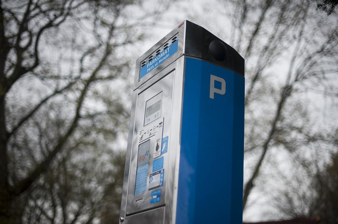 Modica, aggiudicato appalto per zone blu e parcheggio di viale Medaglie d'Oro
