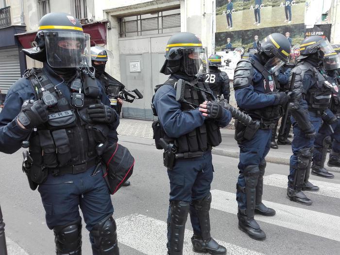 Parigi, corteo contro  Macron