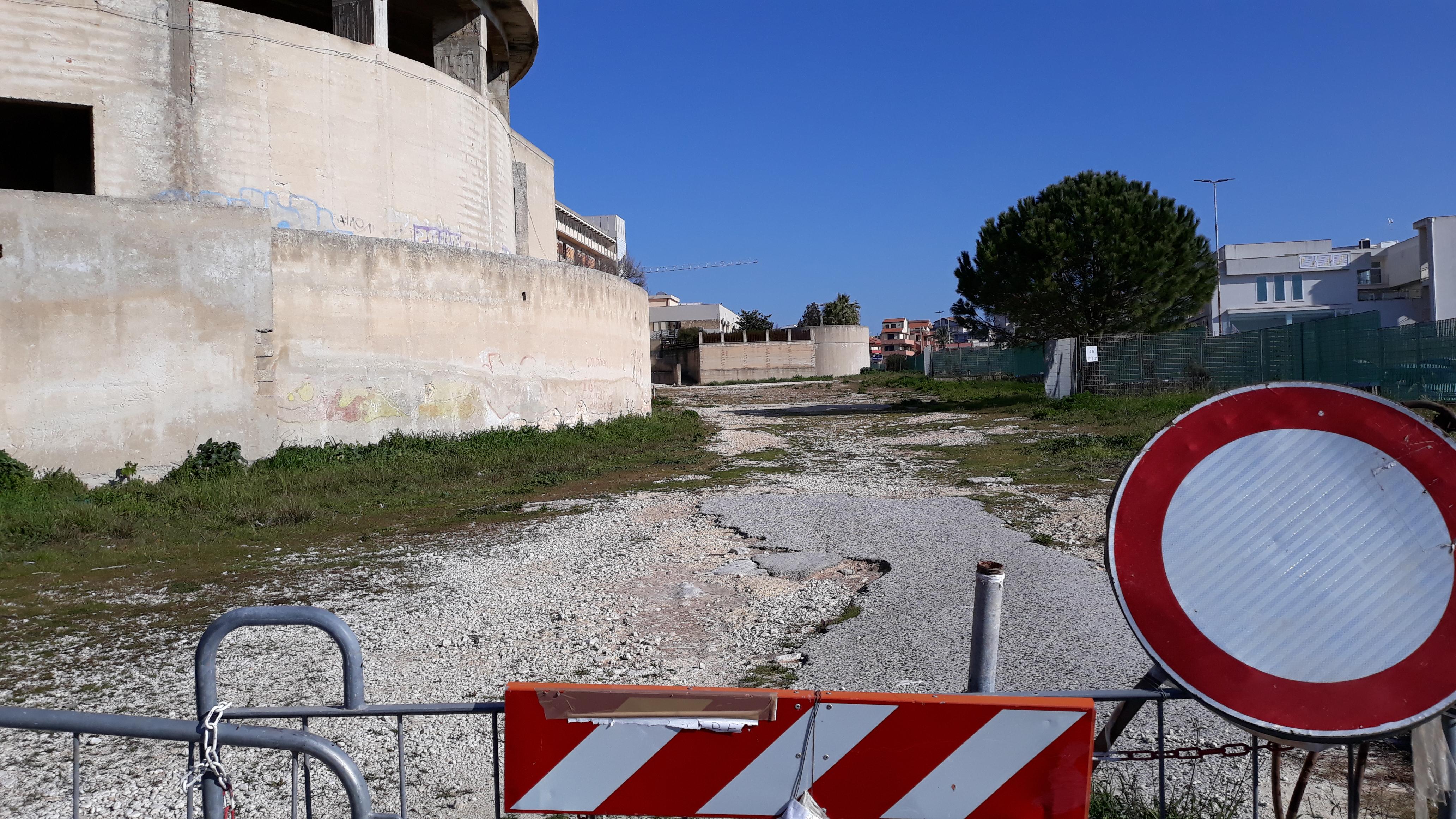"""Modica, il mistero del parcheggio impossibile all'ospedale: per l'Asp è un'opera """"faraonica""""?"""
