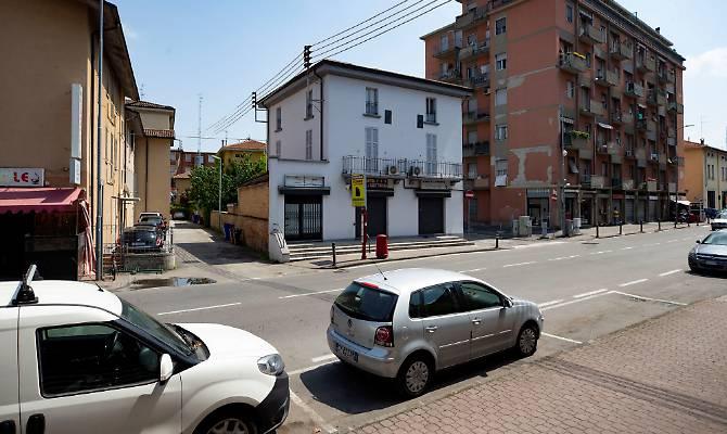 Tenta di strangolare la figlia di un anno, arrestata a Parma