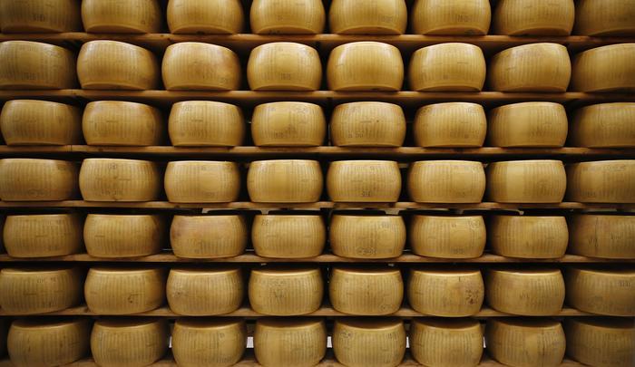 Scattati dazi Usa sui prodotti Ue: colpiti il pecorino ed il parmigiano