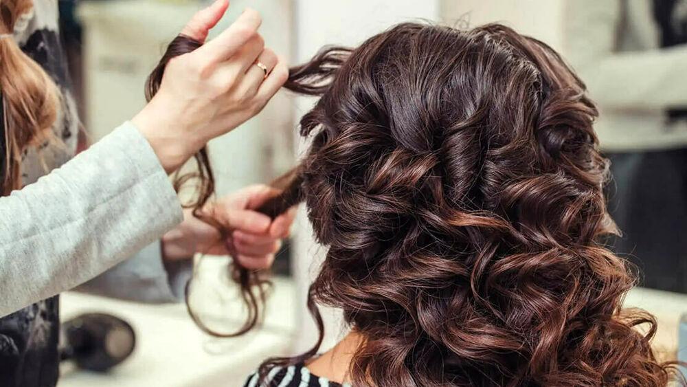 Parrucchieri e centri estetici in zona rossa nel Ragusano: appello per aprire in sicurezza