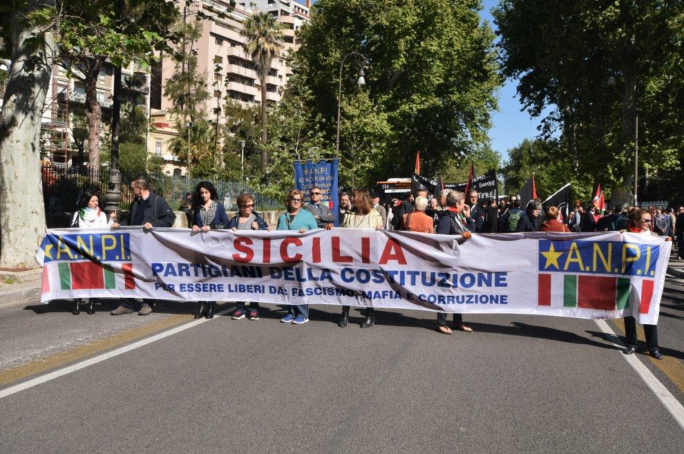 Il 25 Aprile, migliaia in marcia a Palermo: partigiani e attivisti Anpi