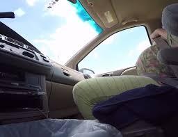 Marsala, partorisce in auto aiutata dalla ginecologa al telefono